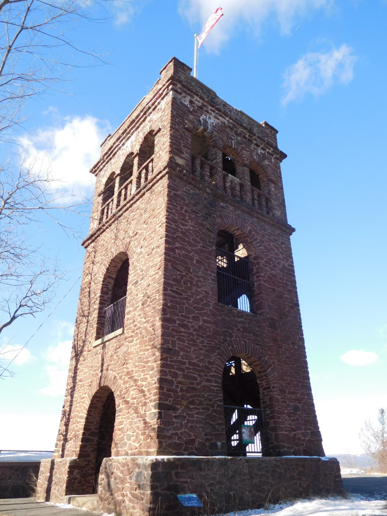 Poets_Seat_Tower_2