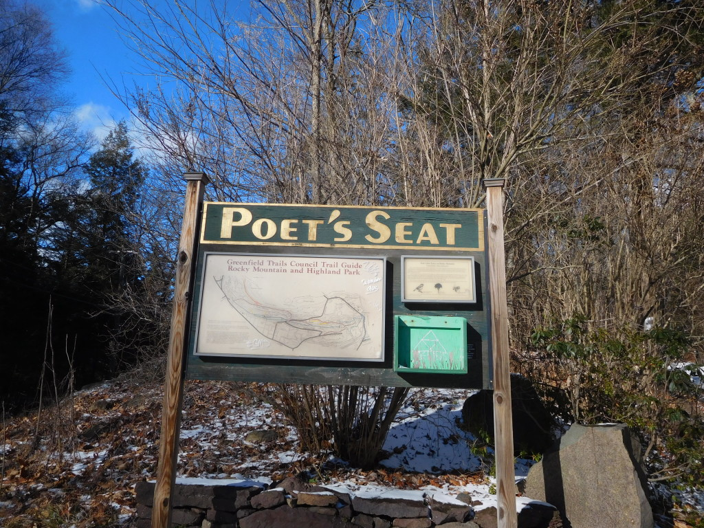 Poets_Seat_Tower_greenfield_