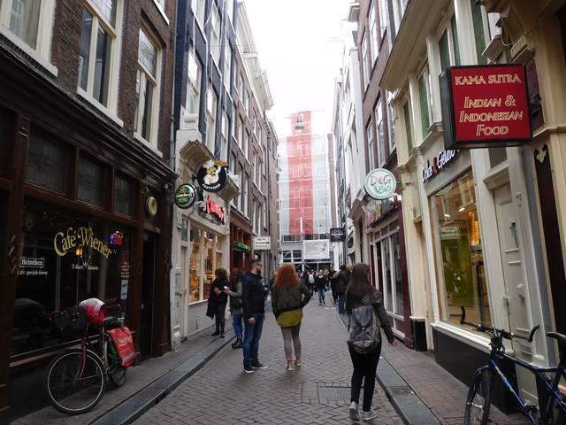 red_light_district_amsterdam