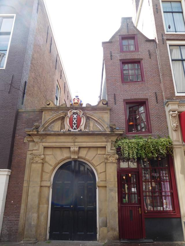 the_smallest_house_amsterdam_1