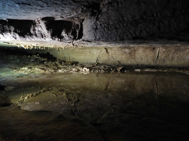 secret_caverns_ny_3